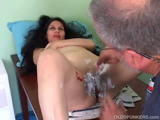 porn, cougar, old, shaved pussy