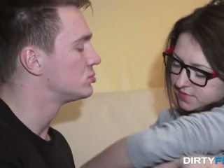 nerdy chick whis cumshot on big eyeglasses