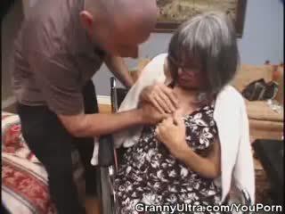 באינטרנט מציצות, דרך הפה איכות, סבתא 'לה אידאל