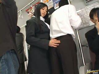 Saori hara the тайська stunner gives a лизати в the subway