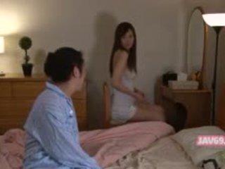 Krásne nadržané ázijské dievča jebanie
