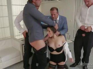plezier brunette seks, orale seks tube, een dubbele penetratie
