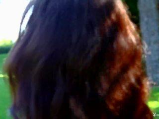 brunette, kaukasisch neuken, heet striptease tube