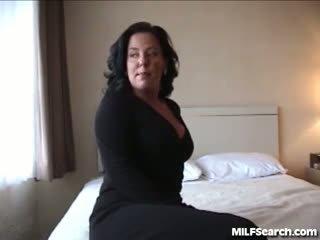 brunette gepost, controleren likken film, vingerzetting porno