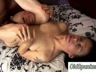 Sexy mature babe enjoys some foot fucking fun