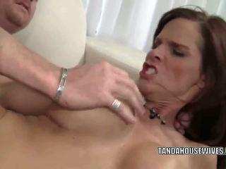Slutty MILF Syren De Mer gets her mature pussy fucked