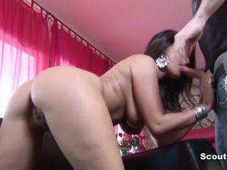 Betrapt Door Moeder porno