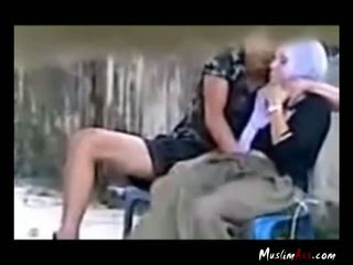 Hijab Girl Getting Fingered Outdoor