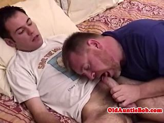 Old gay toad sucking y-ungers cock