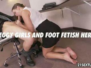 Kancelář oblek noha