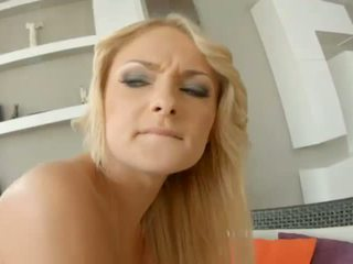 April Blue and Ivana Sugar shares jizz