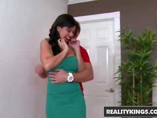 Realitykings - MILF Hunter - Kimmy Lee Levi Cash...