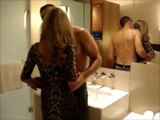 blondjes scène, ideaal echtgenoot porno, vers hoorndrager