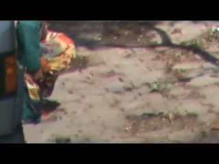 Indian Aunties Doing Urine Outdoors Hidden Cam Vid