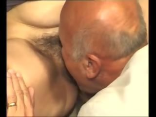 kwaliteit hoorndrager mov, oma porno, alle grote tieten thumbnail