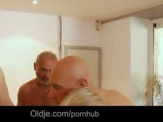 Seven grandpas gabg bangs сексуальна молодий білявка на a зустріч