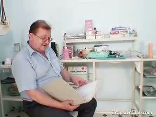 zien vagina thumbnail, gratis dokter mov, speculum
