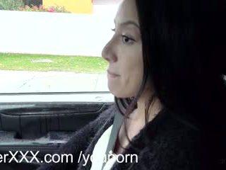 Driverxxx seksi sedikit alat kemaluan wanita earns dia sebuah naik