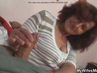 heetste mama neuken, motherinlaw actie, controleren girlfriends mom klem