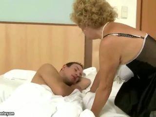 Morfar fucks mormor hård utomhus