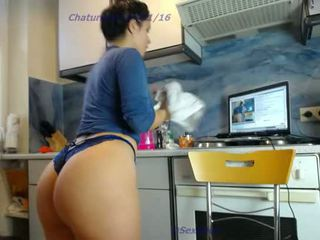 teen sexydea squirting on live webcam