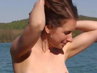 plaža porno, velike naravne joške mov, žena