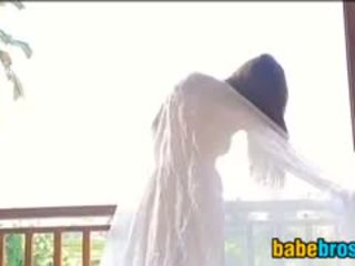 Japanese Babe Teases Her Body Softcore