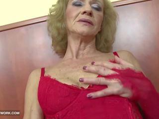 Mezirasový porno - babičky likes to hrubý gets anální.