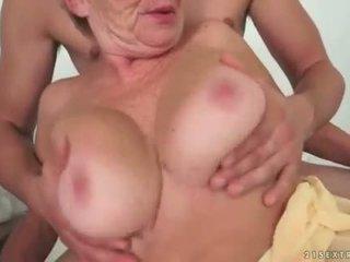 Giovane uomo fucks caldi nonnina carina difficile