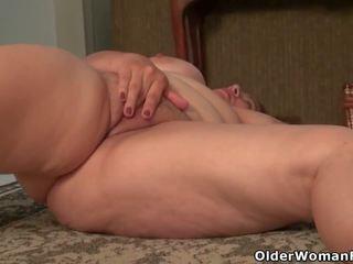 America's Sexiest MILFs Part 9, Free Older Woman Fun HD Porn