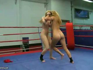Sophie moone و cindy أمل fighting