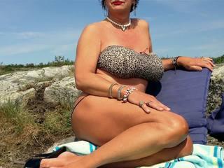 Candy: Free Outdoor & High Heels Porn Video 9d