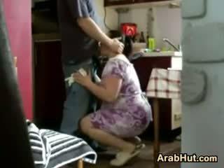 Thick amadora arab gaja gets fodido