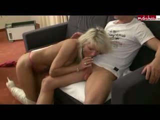 Blonde Milf gets her gaping pussy fisted