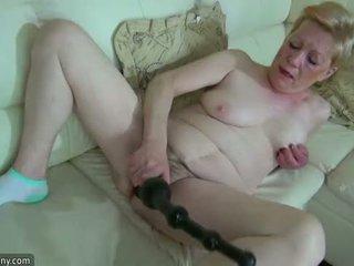 Oldnanny vana küpsemad koos suur dildo masturbate