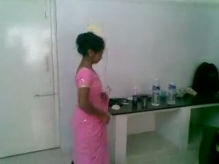 Io 5 indiano graziosa e timido newly sposato
