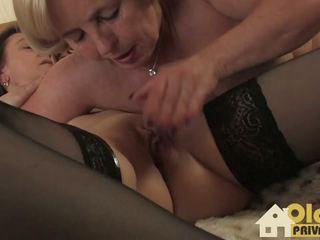 Lesbische Spielchen Mit Der Nachbarin, HD Porn 9d