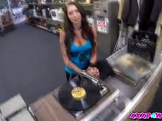 mooi brunette kanaal, realiteit scène, pijpbeurt porno