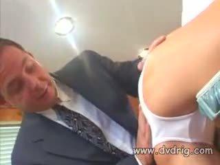 Ilus tõmmud lipakas chyna sucks ja fucks raske schlong ja gets tema tussu engorged koos valge spunk