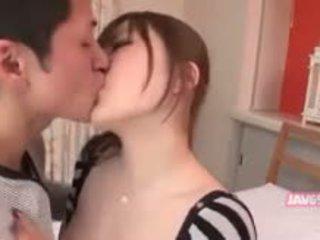 En chaleur asiatique fille baise
