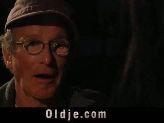 76 stary człowiek z duży chuj drill słodkie nastolatka