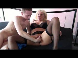 18jaehriger Jungschwanz Fickt Alte Rattige Fotze: Porn 16