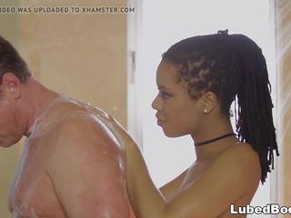 douches mov, een fantasy massage