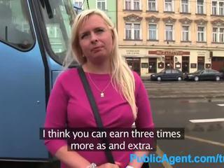 Groß titten agent blond Public Public