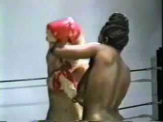 meer grote borsten, plezier lesbiennes neuken, meer interraciale video-
