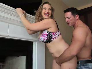 online meloenen porno, grote borsten, geschoren kutje neuken