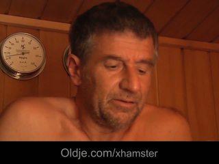 Rinnakas noor cutie suhuvõtmine 69 seks vana mees näkku purskamine sisse the
