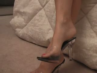 Amateur Foot And Heels Fetish