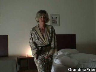 mooi realiteit, oud thumbnail, vers grootmoeder klem