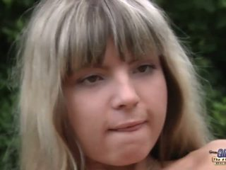 Noor blond anaal injected poolt an vana gardner